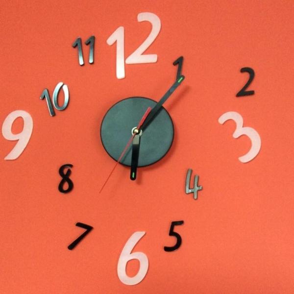 Reloj de pared numeración en metacrilato